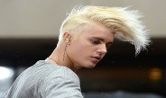 "Justin Bieber Takes A Stand And Won't Take Fan Pics Anymore! – ""I Feel Like A Zoo Animal"""