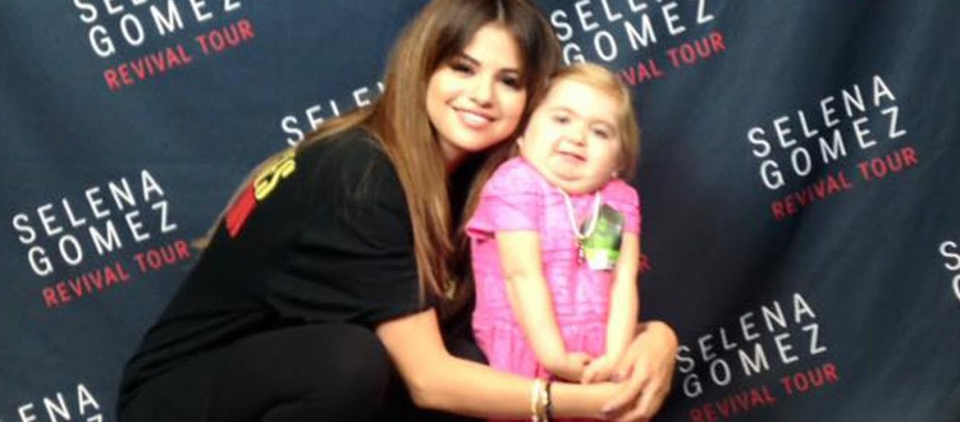 Selena Gomez Dances With ADORABLE 6-Year-Old Fan